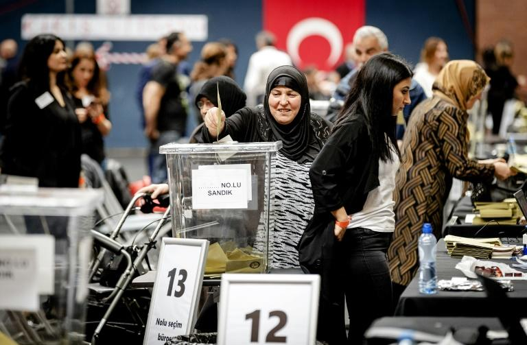 Netherlands-based Turkish voters cast  referendum ballots on whether to create an executive presidency