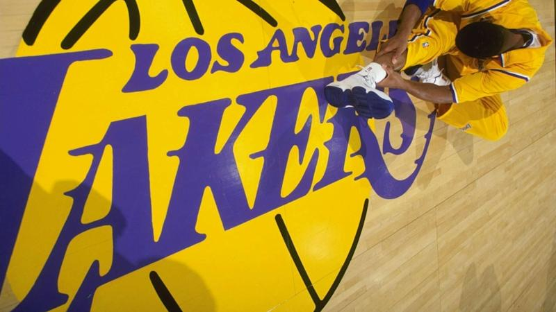 Lakers' frenetic roster moves still not enough to surpass Warriors