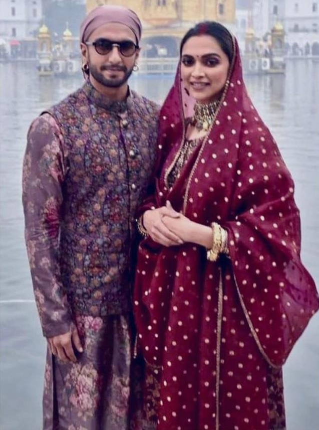 The reigning couple of Bollywood celebrated their first wedding anniversary this month by visiting Tirumala Tirupati and the Golden Temple. For her Golden Temple visit, the actress wore the same salwar-suit combo that she had thrown in on her <em>mehendi </em>function, thereby trashing the idea that actresses don't repeat their outfits. Ranveer matched up with his lovely wife and was absolutely dapper in his Kurta-Jacket combo.