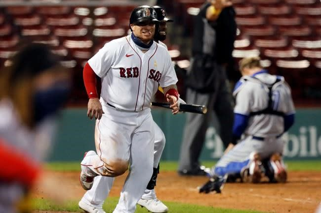Bogaerts, Vázquez rally Red Sox in 9th past Blue Jays 9-8
