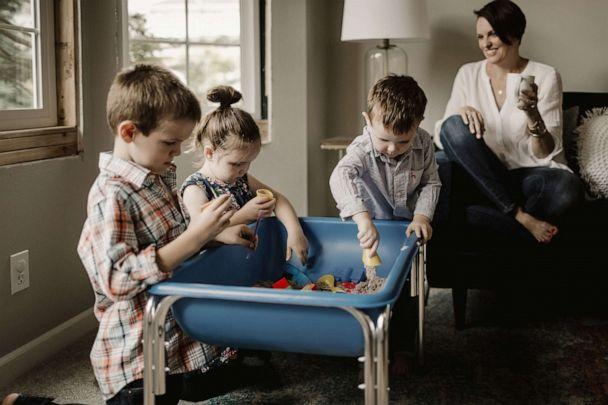 PHOTO: Susie Allison, the creator of Busy Toddler, a site providing tips on how to keep your kids entertained, spends time with her kids. (Dannie Melissa Wit/Abeille Photography)