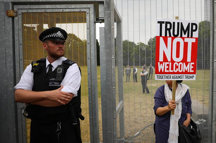 <p>A demonstrator protests next to the security fence surrounding the U.S. ambassador's residence, Winfield House, where President Trump and first lady Melania Trump are staying, in London, July 12, 2018. (Photo: Simon Dawson/Reuters) </p>