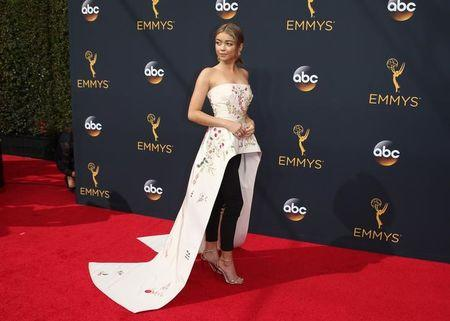 "Actress Sarah Hyland from the ABC series ""Modern Family"" arrives at the 68th Primetime Emmy Awards in Los Angeles, California U.S., September 18, 2016.  REUTERS/Lucy Nicholson"
