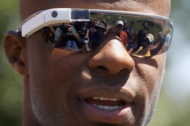 Pittsburgh Steelers cornerback Ike Taylor wears Google Glass as he talks with reporters after arriving for NFL football training camp at the team training facility in Latrobe, Pa. on Friday, July 25, 2014. (AP Photo)