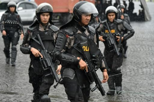 Bomb attack, police shootout in Indonesian city