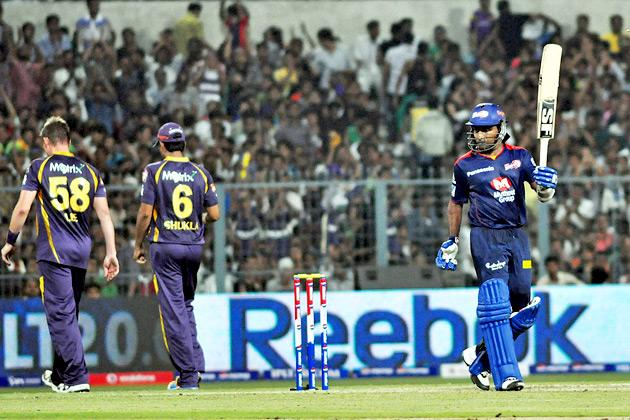 Delhi captain Mahela Jayawardene celebrates after scoring 50 during the match between KKR and DD at Eden Gardens in Kolkata on April 3, 2013. (Photo: IANS)