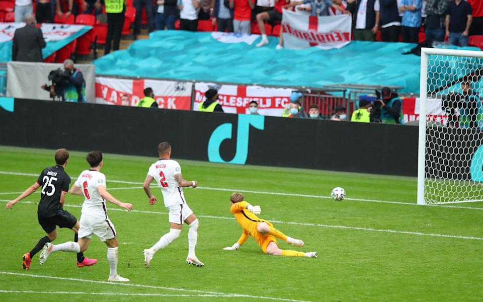 Thomas Muller drags his shot wide - GETTY IMAGES