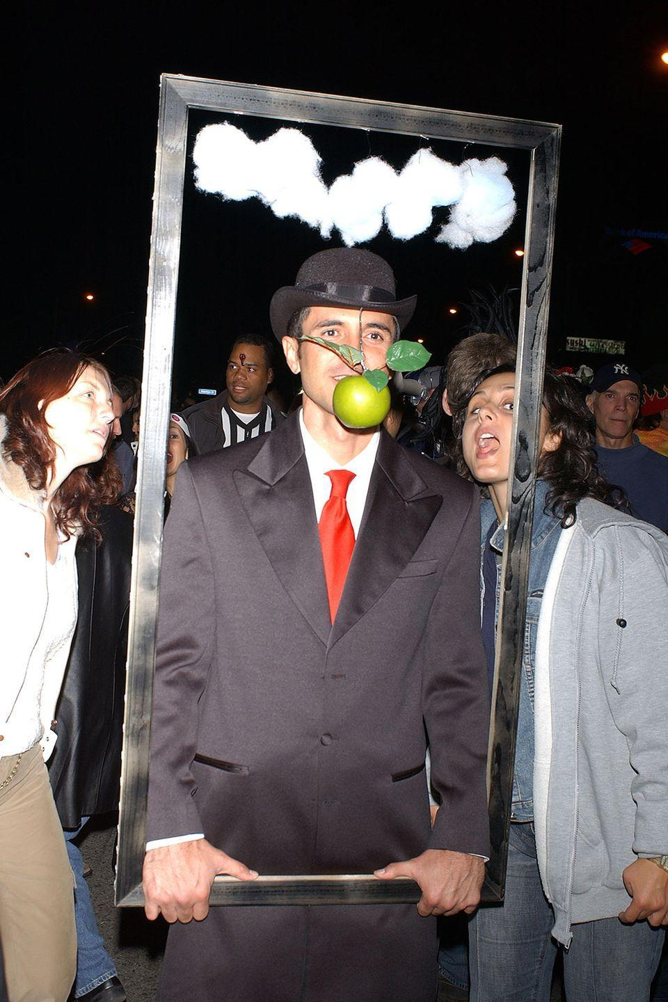 <p>It's worth pointing out that the photobomber was not part of René Magritte's original The Son of Man painting.</p>