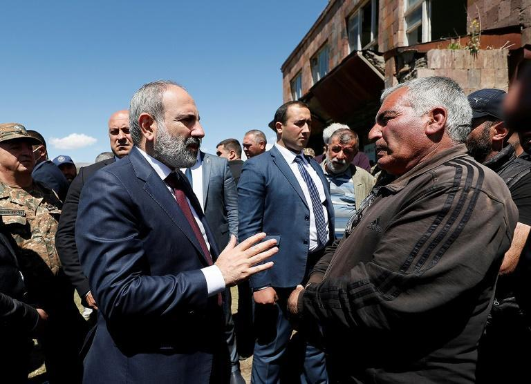 The incident comes comes at a delicate time for Armenian Prime Minister Nikol Pashinyan (L)
