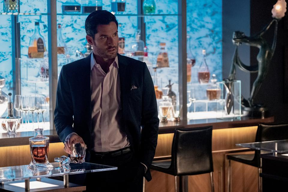 LUCIFER, Tom Ellis, Diablo!, (Season 5, ep. 503, aired Aug. 21, 2020). photo: John P. Fleenor/ Netflix / Courtesy Everett Collection