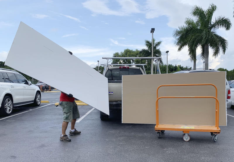 Shoppers prepare ahead of Hurricane Dorian at The Home Depot on Aug. 29, 2019, in Pembroke Pines, Fla. (Photo: Brynn Anderson/AP)