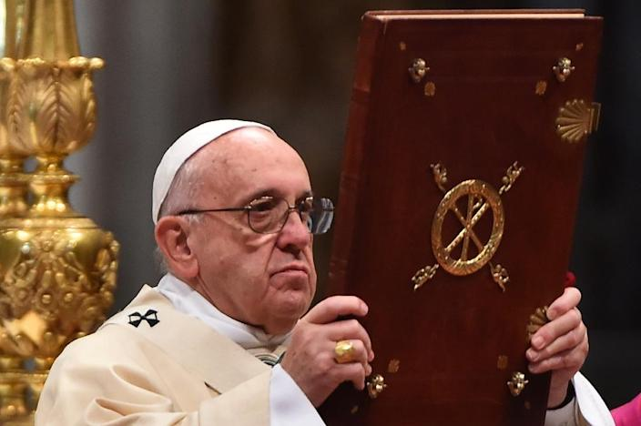 Pope Francis has urged European governments to keep welcoming migrants (AFP Photo/Gabriel Bouys)