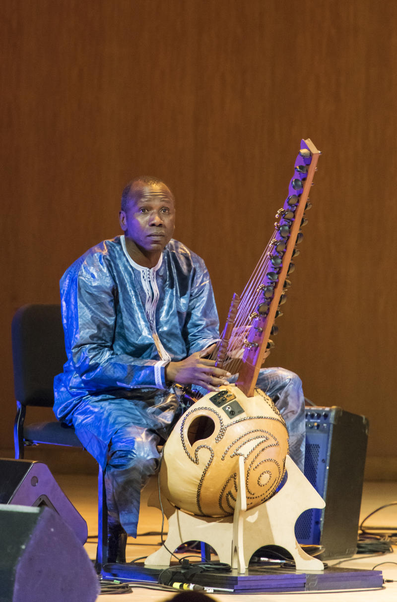 Malian musician Ballake Sissoko believes his kora was intentionally destroyed on a flight.