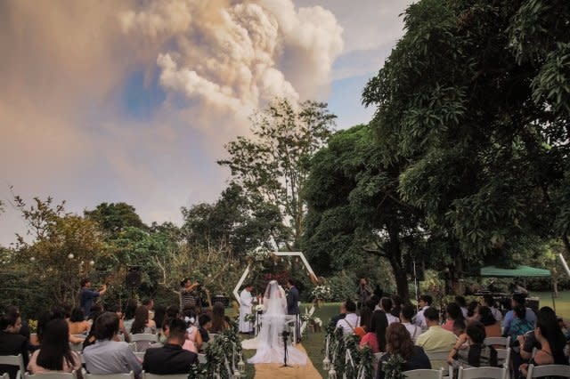 Wedding takes place despite nearby eruption of Taal volcano