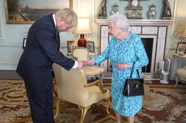 Dyson fan catches the eye in Boris Johnson's historic photo with the Queen