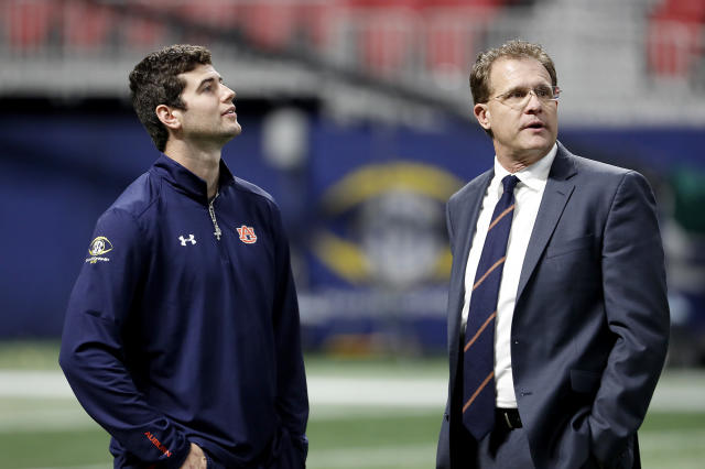 "<a class=""link rapid-noclick-resp"" href=""/ncaaf/players/251133/"" data-ylk=""slk:Jarrett Stidham"">Jarrett Stidham</a> (L) enters his second season as Gus Malzahn's starting quarterback. (AP Photo)"