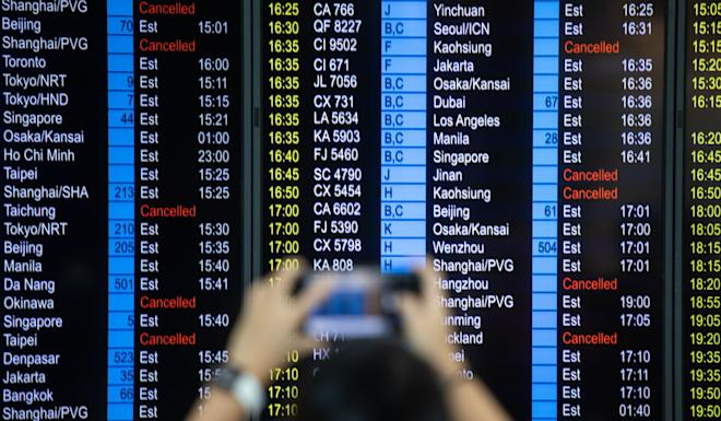 Hong Kong's tourism industry has been hit by a drop in visitors, and two days of chaos at the city's airports where hundreds of flights were cancelled did not help. Photo: Bloomberg