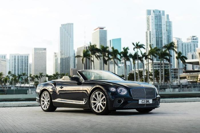 bentley continental gt v8 convertible 2 700x467 c