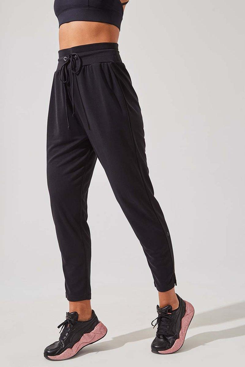 Recover Natural Modal Relaxed Pant. Image via MPG Sport.