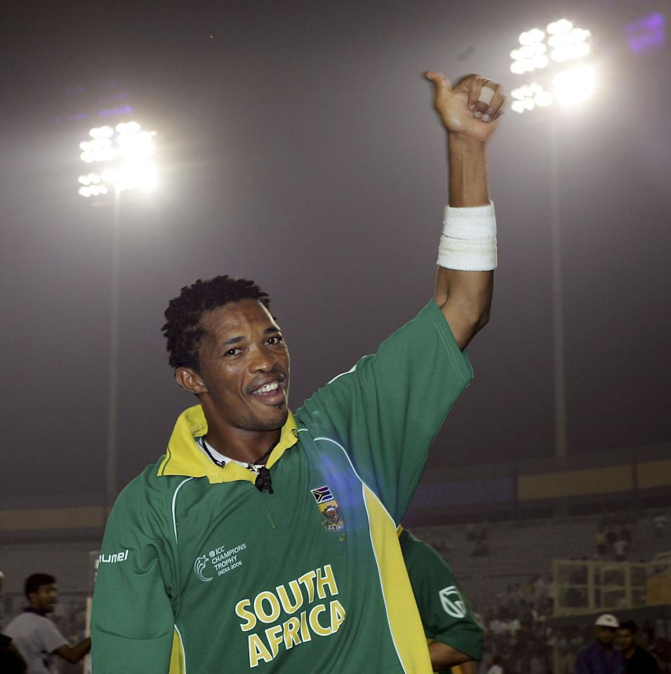 MOHALI, INDIA - OCTOBER 27: Man of the match Makhaya Ntini leaves the pitch after the ICC Champions Trophy match between South Africa and Pakistan at The Punjab Cricket Association Stadium on October 27, 2006, in Mohali, India. (Photo by Julian Herbert/Getty Images)