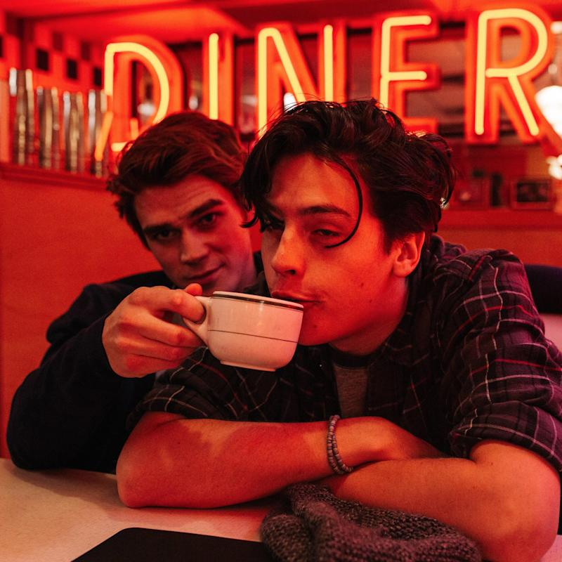 The 1 '90s Show That Cole Sprouse Would LOVE to Crossover With Riverdale