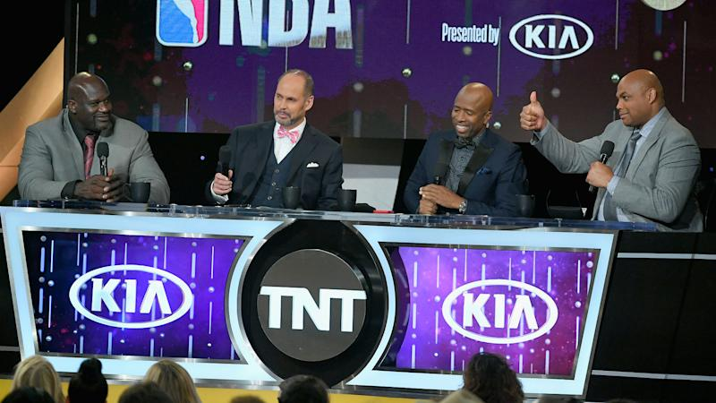 Charles Barkley hilariously nailed Shaq in the head with an egg