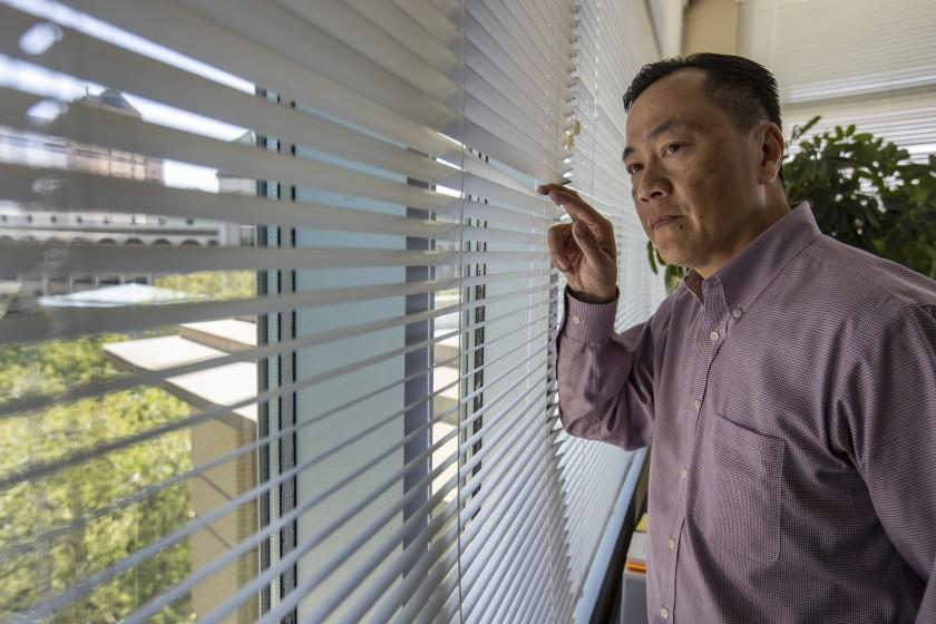 SACRAMENTO, CA - APRIL 02: Sacramento city manager Howard Chan in his city hall offices on Friday, April 2, 2021 in Sacramento, CA. (Brian van der Brug / Los Angeles Times)
