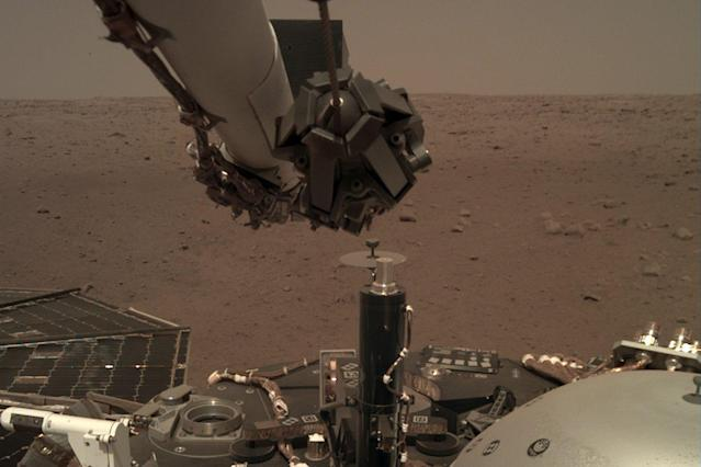 The Insight rover captured new amazing images from the surface of Mars and recorded 'wind': NASA/JPL-Caltech
