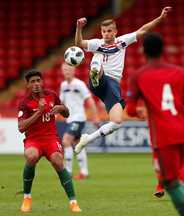 Soccer Football - UEFA European Under-17 Championship - Group B - Portugal v Norway - The Banks's Stadium, Walsall, Britain - May 4, 2018 Portugal's Rodrigo Fernandes in action with Norway's Cornelius Norman Hansen Action Images via Reuters/Peter Cziborra