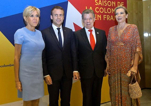 French first lady Brigitte Macron and President Emmanuel Macron; Colombian President Juan Manuel Santos and his wife, María Clemencia Rodríguez. (Photo: AP Photo/Michel Euler)