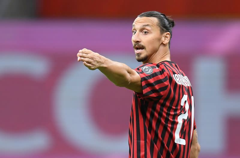 Ibrahimovic to stay at Milan for another season