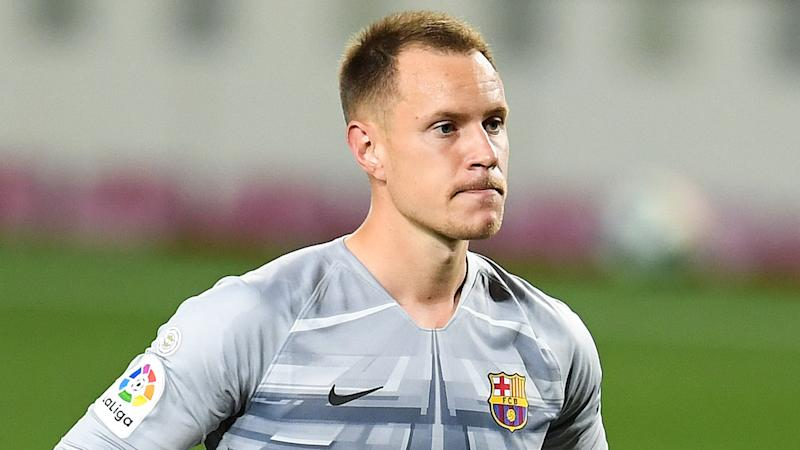 Ter Stegen out for two-and-a-half months as Barcelona goalkeeper undergoes successful knee surgery