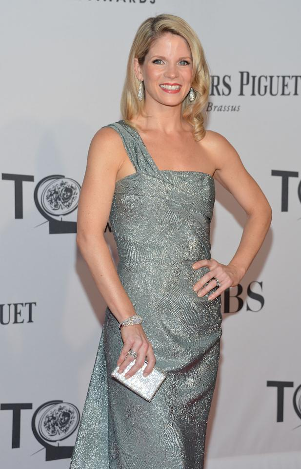 NEW YORK, NY - JUNE 10:  Kelli O'Hara attends the 66th Annual Tony Awards at The Beacon Theatre on June 10, 2012 in New York City.  (Photo by Mike Coppola/Getty Images)