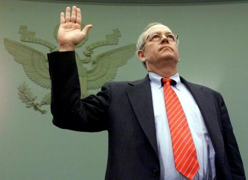 Kenneth Starr - pictured during the Bill Clinton impeachment inquiry in November 1998 - is a hero to many on the American right