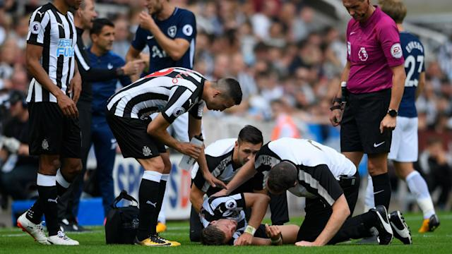 Jonjo Shelvey was shown a red card for treading on Dele Alli's ankle and Rafael Benitez said Harry Kane deserved the same punishment.