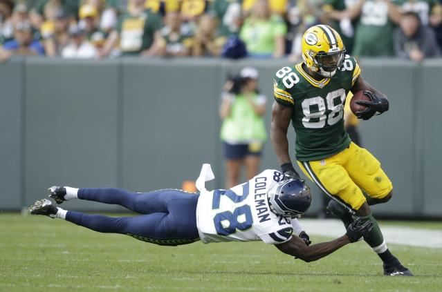 "<a class=""link rapid-noclick-resp"" href=""/nfl/players/28482/"" data-ylk=""slk:Ty Montgomery"">Ty Montgomery</a>'s fantasy value is on the rise and a look around the rest of the league in a Week 1 recap (AP Photo/Jeffrey Phelps)"