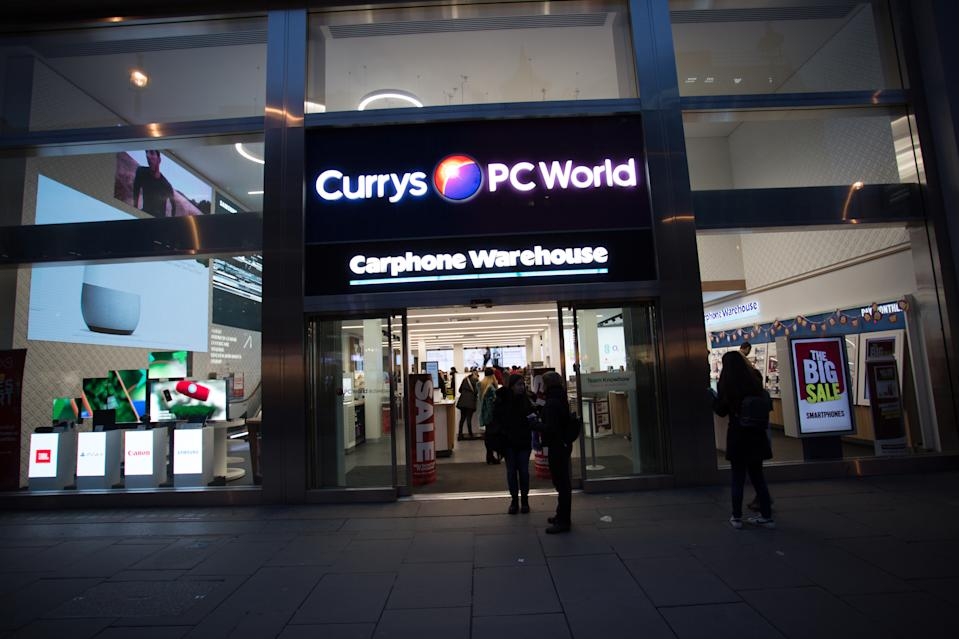 The Currys PC world store on Oxford Street in London. (Photo: Rahman Hassani/SOPA Images/LightRocket via Getty Images)