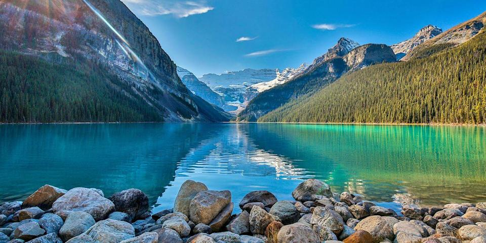 Photo credit: Experience Lake Louise on a Rocky Mountaineer tour. Peter Unger