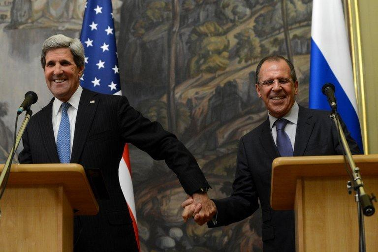 John Kerry (L) and Sergei Lavrov attend their joint press conference in Moscow on May 7, 2013