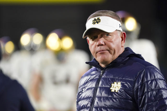 """Notre Dame Fighting Irish head coach Brian Kelly looks on before the game against the <a class=""""link rapid-noclick-resp"""" href=""""/ncaaw/teams/duke/"""" data-ylk=""""slk:Duke Blue Devils"""">Duke Blue Devils</a> at Wallace Wade Stadium. (USA TODAY Sports)"""