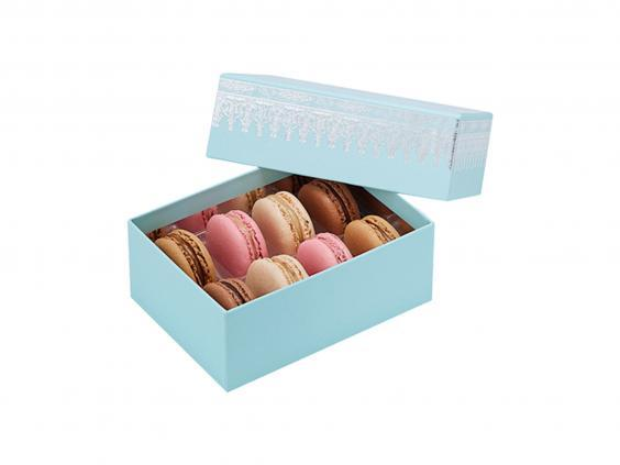 Keep for yourself or gift this to a friend, either way, we guarantee they'll be enjoyed (Ladurée)