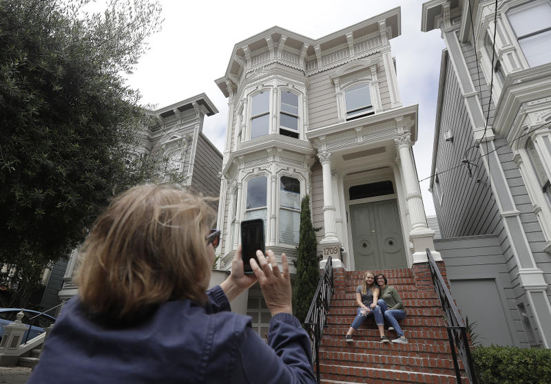 San francisco bans tour buses from 39 full house 39 residence for San francisco mansion tour