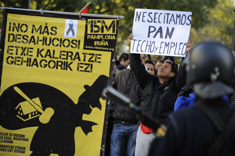 Spain decree to curb evictions after protests