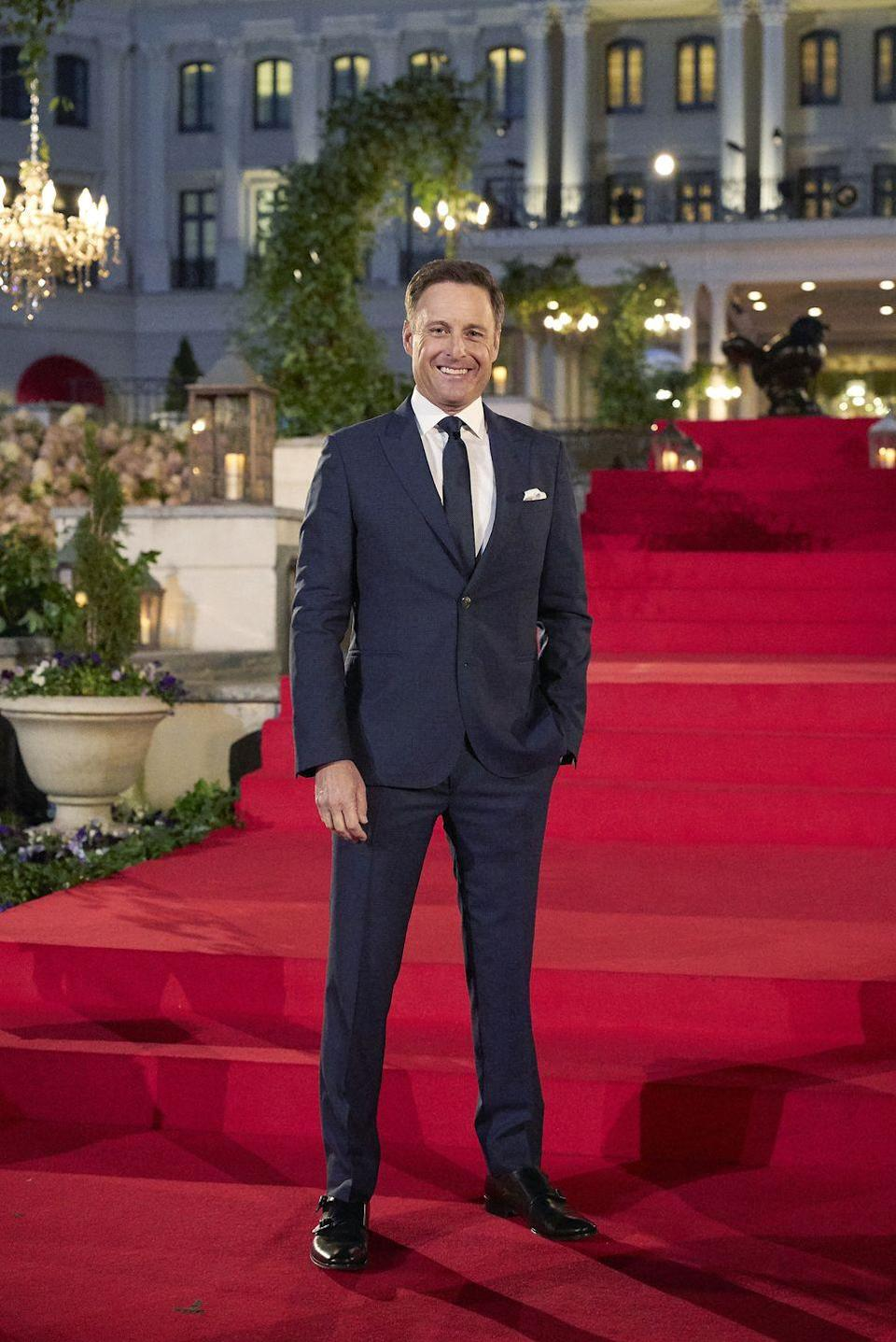 "<p>Scott Jeffrees told Amy Kaufman (via <a href=""https://www.elle.com/culture/movies-tv/a19136467/bachelor-nation-book-most-shocking-revelations/"" rel=""nofollow noopener"" target=""_blank"" data-ylk=""slk:Elle"" class=""link rapid-noclick-resp""><em>Elle</em></a>) for<em><a href=""https://www.amazon.com/Bachelor-Nation-Americas-Favorite-Pleasure/dp/1101985909"" rel=""nofollow noopener"" target=""_blank"" data-ylk=""slk:Bachelor Nation: Inside the World of America's Favorite Guilty Pleasure"" class=""link rapid-noclick-resp""> Bachelor Nation: Inside the World of America's Favorite Guilty Pleasure</a></em> that he used to keep ""a wad of crisp $100 bills in his pocket"" to give to anyone who delivered the best drama.</p>"