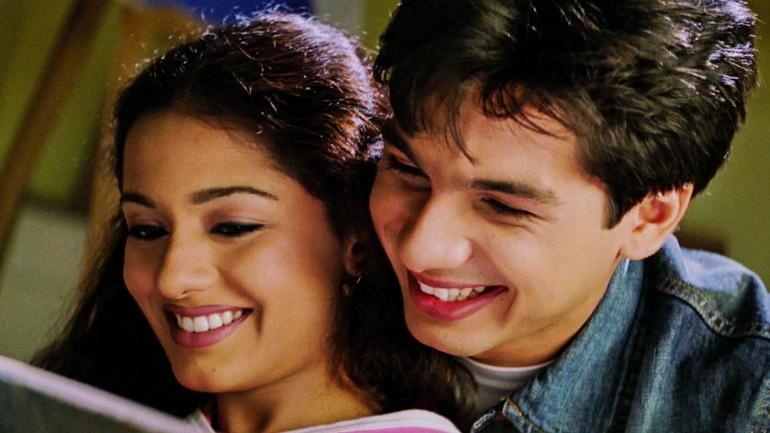 Amrita made her debut in 2002 with the movie Ab Ke Baras opposite Raj Babbar's son Pratiek Babbar. The movie even won her a nomination for the Filmfare Best Female Debut Award, but it was the sweet Payal of Ken Ghosh's 2003 release <em><strong>Ishq Vishk </strong></em>that made her a household name. Interestingly, that was Shahid Kapoor's movie debut too.