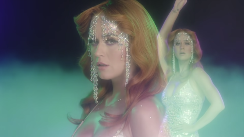 Le clip de la semaine : « Champagne Problems » de Katy Perry