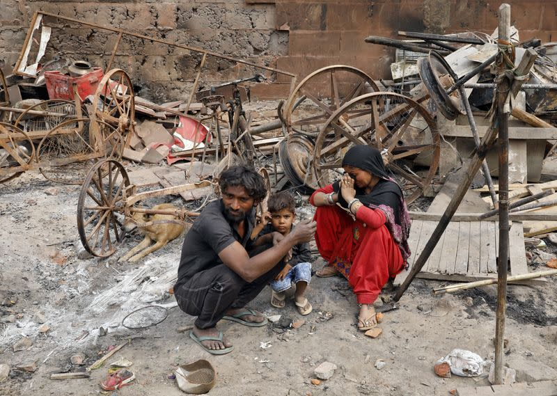 Indian police detain hundreds after Hindu-Muslim clashes in New Delhi
