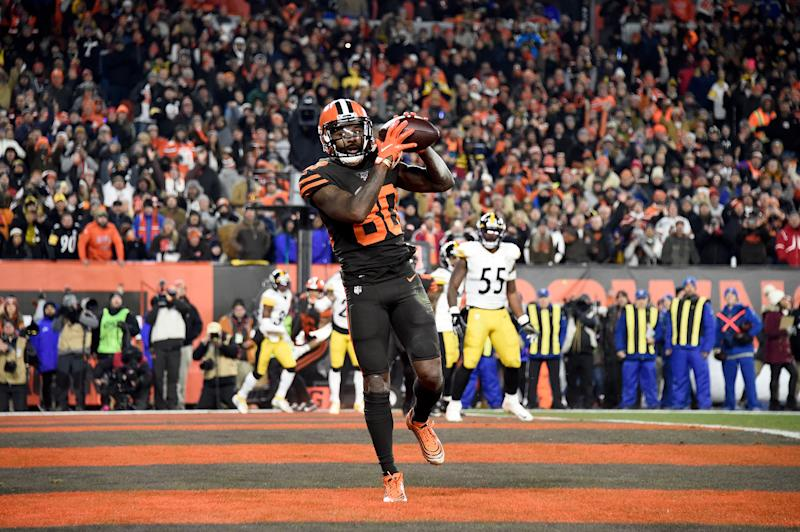 Jarvis Landry scores a touchdown in Cleveland's win over Pittsburgh. (Photo by Jason Miller/Getty Images)