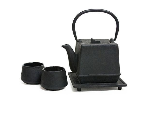 """<p>pearlriver.com</p><p><strong>$49.50</strong></p><p><a href=""""https://pearlriver.com/collections/ceramics-sake-sets/products/14078"""" rel=""""nofollow noopener"""" target=""""_blank"""" data-ylk=""""slk:SHOP NOW"""" class=""""link rapid-noclick-resp"""">SHOP NOW</a></p><p>Founded by Taiwan natives Ming Yi and Ching Yeh Chen, the New York-based Pearl River Mart offers just about everything—from dinnerware and cookware to wall decor and art.</p>"""