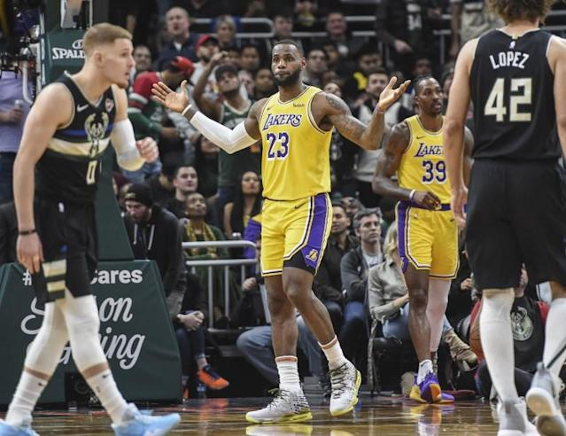 FILE PHOTO: NBA: Los Angeles Lakers at Milwaukee Bucks